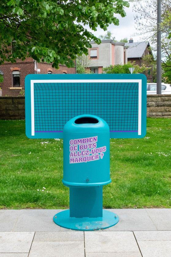 poubelle sportive bleue football parc emile mayrisch dudelange campagne anti littering