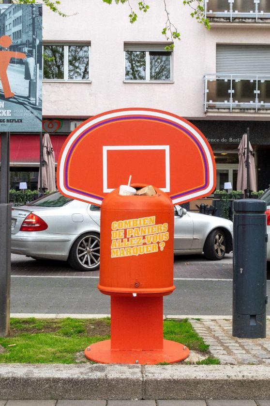 poubelle sportive rouge basket ball place de l'hôtel de ville dudelange campagne anti littering