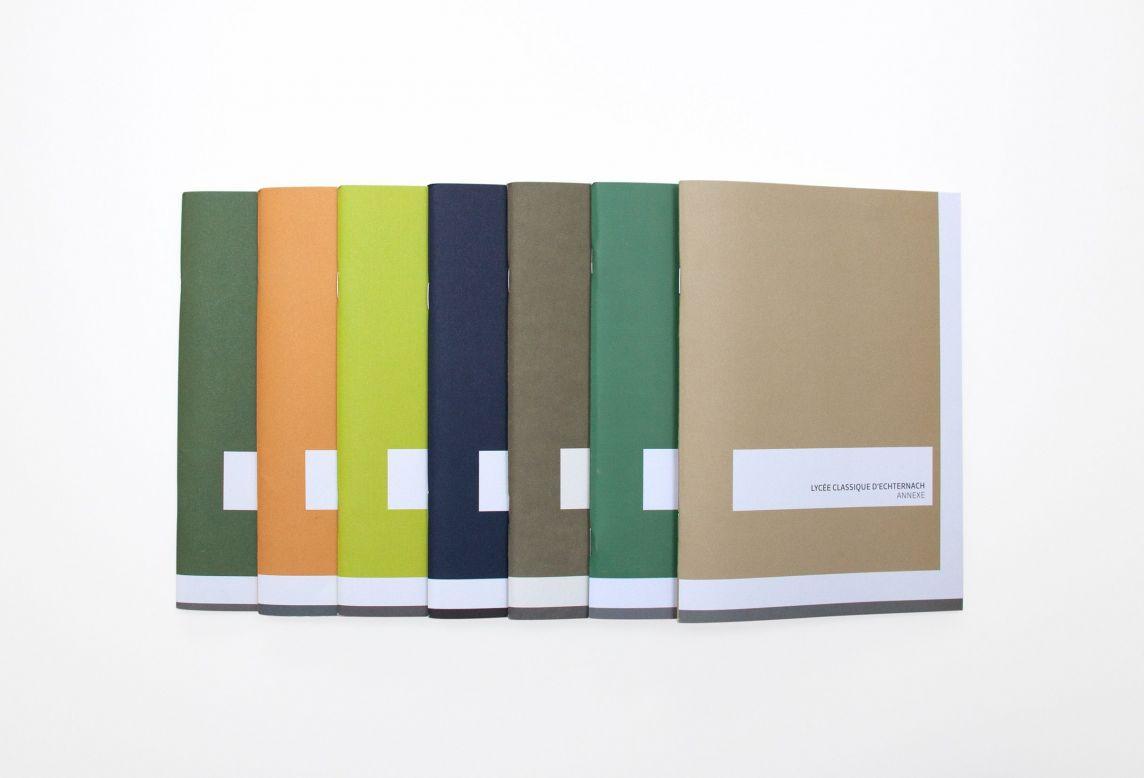 Ensemble de brochures réalisées pour les inaugurations de bâtiments pour l'Administration des bâtiments publics