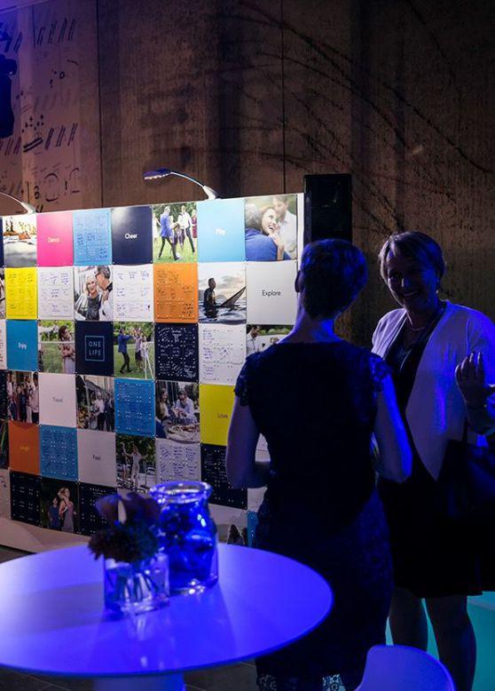 Mur de photo pour la soirée de lancement One Life par accentaigu