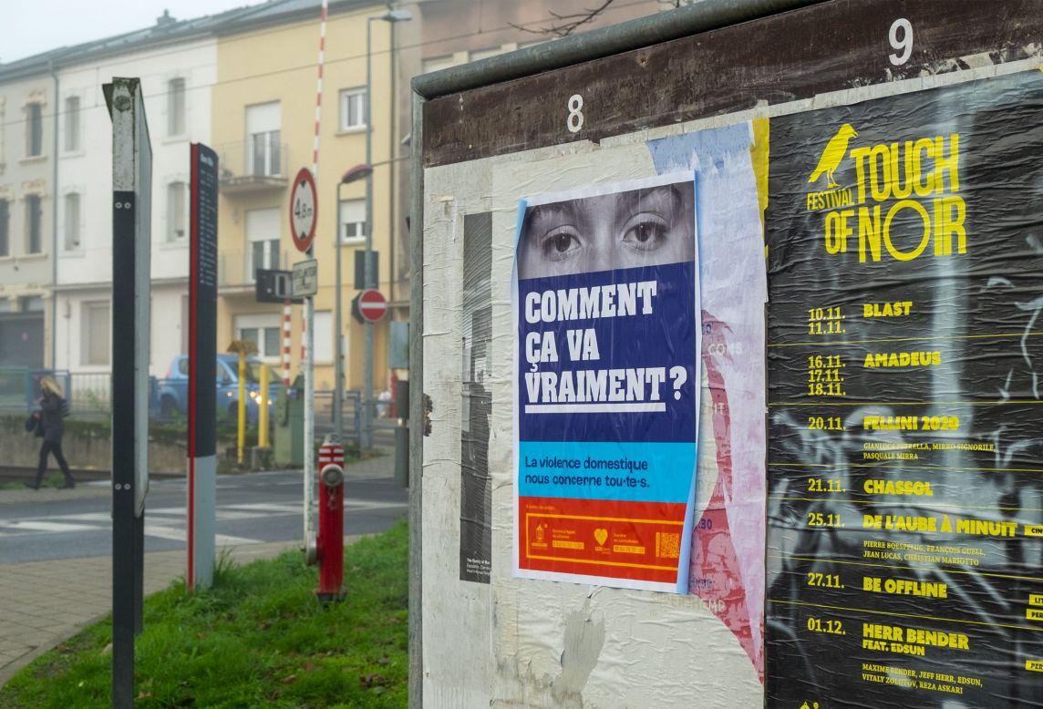 affiche violence domestique comment ça va vraiment dans la ville de dudelange près de la gare