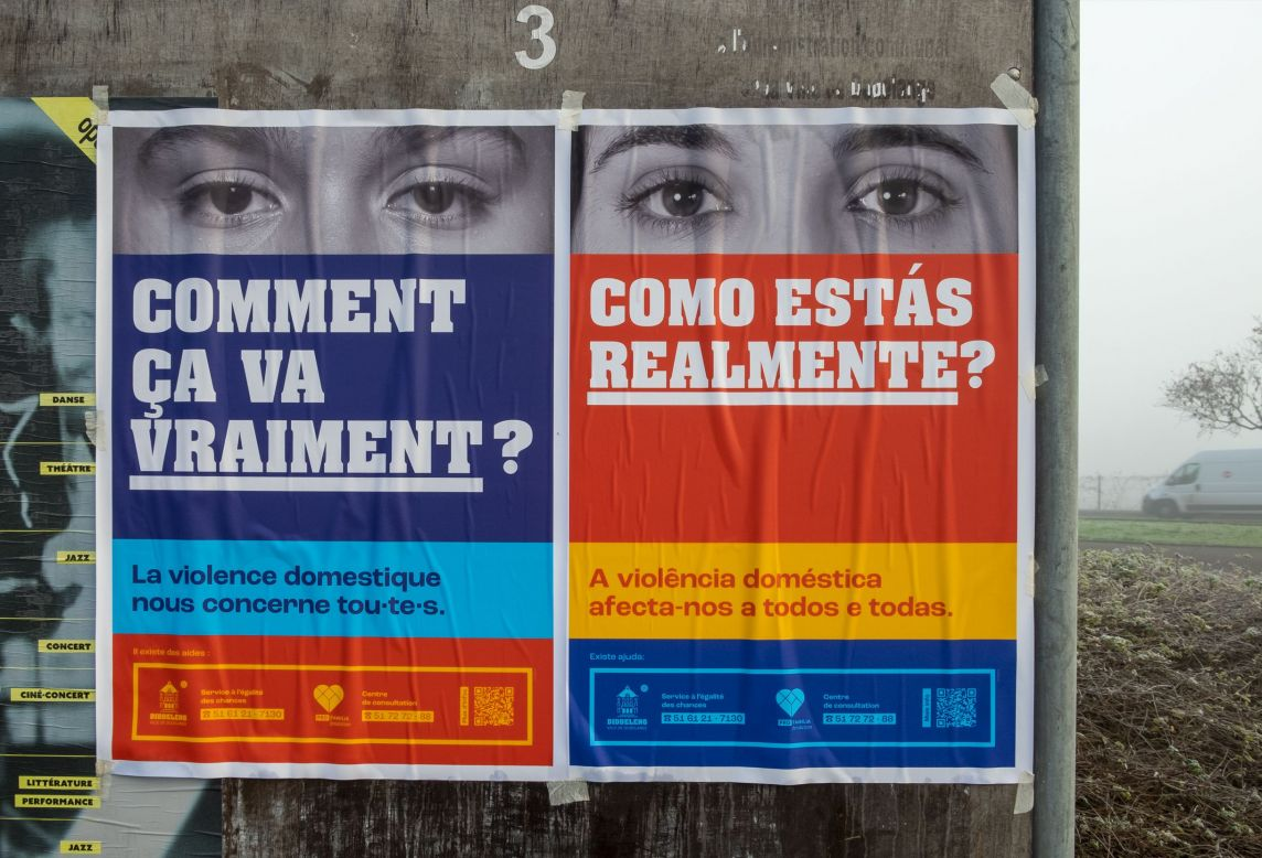 affiche en français et portugais près du skatepark de dudelange